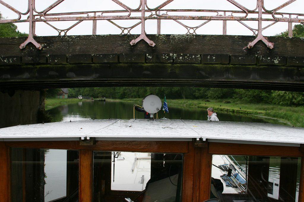 Kinette unter der selben Brücke