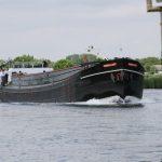 Gegenverkehr auf der holländischen Maas