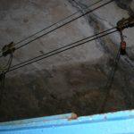 Die Stromversorgung des Schleppfahrzeuges im Mauvages-Tunnel