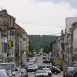 Die Strasse führt aus Commercy bis an den Horizont
