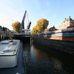 In der Schleuse von 's Hertogenbosch (Zuid-Willemsvaart)