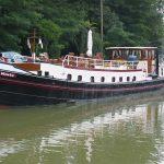 Zum Hotelschiff umgebaute Péniche