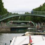 Der Canal Saint-Martin führt mitten durch Paris