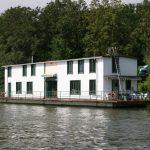 Hausboot auf der Seine nördlich Paris