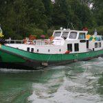 Ein hübsches kleines Kanalschiff