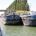 In der Schleuse von Varennes (Seine)