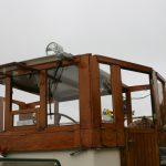 Das Vordach und die Seitenteile des Steuerhauses werden abgebaut