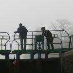 Beim Schleusen auf dem Canal de Roanne à Digoin