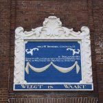«Wägt und wacht» – Inschrift am Waaghaus in Leeuwarden