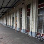 Einst ein bedeutender Grenzbahnhof, heute verlassen und vergittert