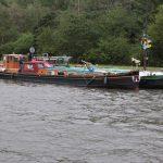 Zwei hübsche niederländische Wohnschiffe (Canal du Centre, Belgien)