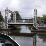 Liebevoll restaurierte Hebebrücke (Canal de Roubaix)