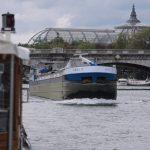 Auf der Fahrt durch Paris