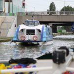 Futuristisches Passagierschiff (Paris, Canal Saint Denis)