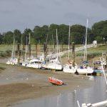 Bei Ebbe trocken fallender Hafen bei Saint-Valery-sur-Somme