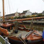 Ein klassischer Segler im Alten Hafen Weener
