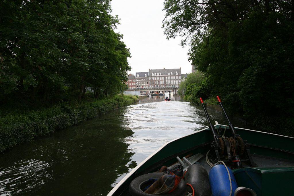 Und dann endlich tat sich der Blick auf und vor uns lag der alte Stadthafen von Maastricht, «t'Bassin».