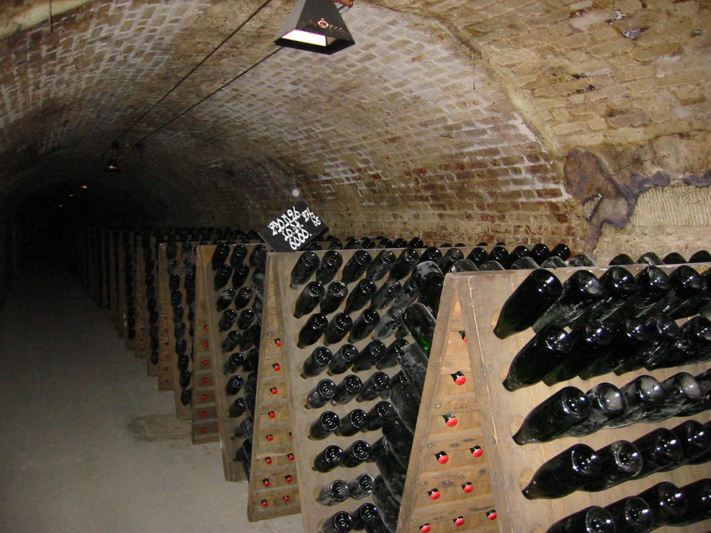 Die Kellergewölbe von Moët et Chandon in Epernay erstrecken sich über 28 km