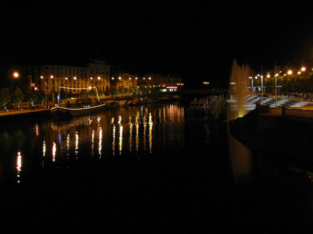 Der Hafen von Verdun bei Nacht
