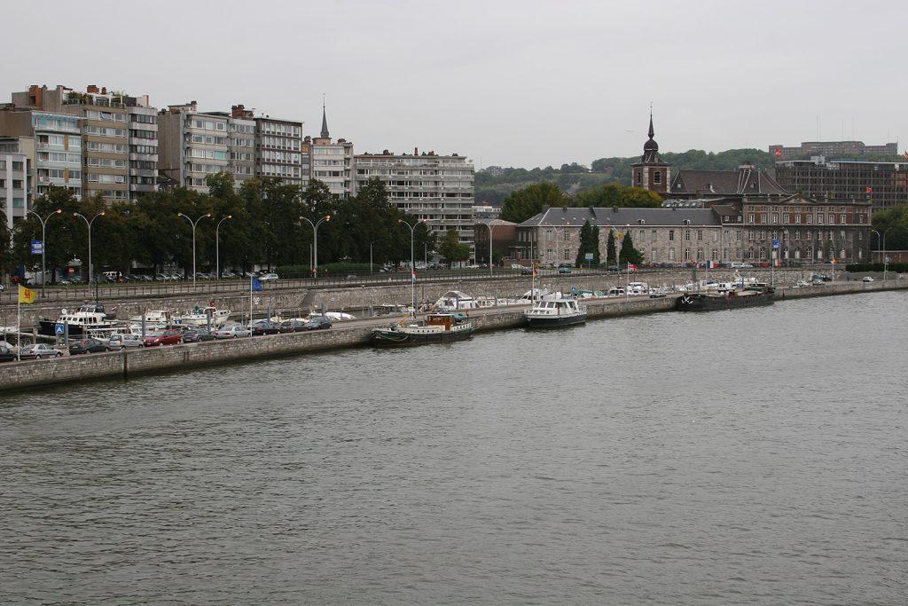 Am Aussenquai des Yachthafens von Lüttich