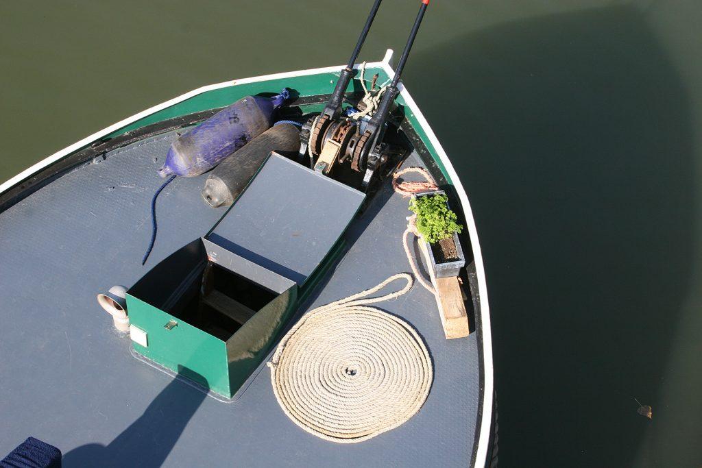 Der Lukendeckel sah sehr schiffig und sehr holländisch aus