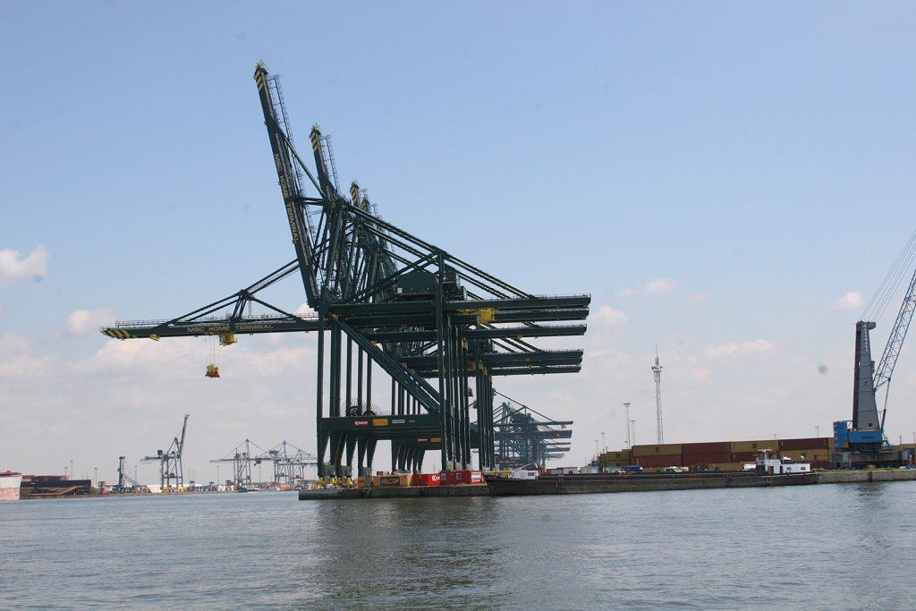 Erste Eindrücke vom Hafen Antwerpen