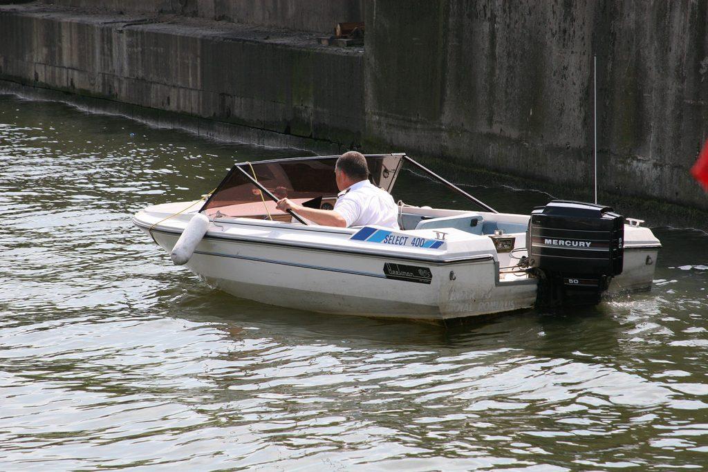 Der Hafenmeister erwartet uns ...