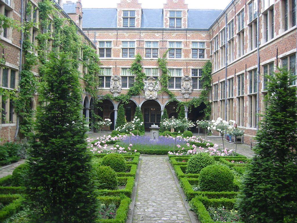 Der Innenhof des Druckkabinetts Plantin-Moretus