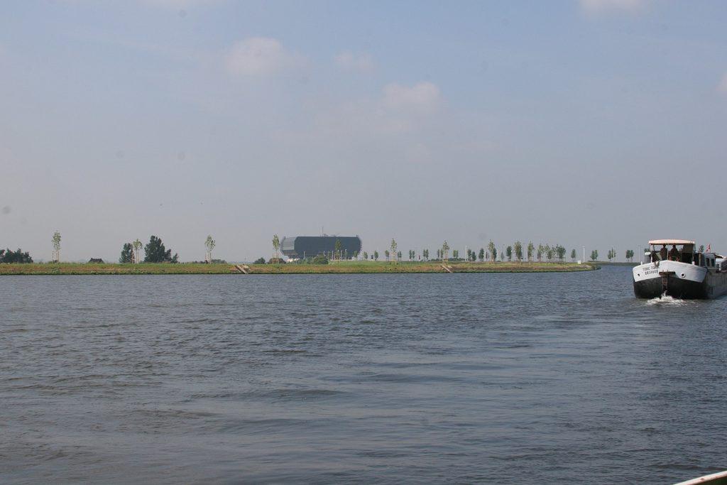 Schon von weitem sehen wir den Turm des Schiffslifts von Strépy-Thieu