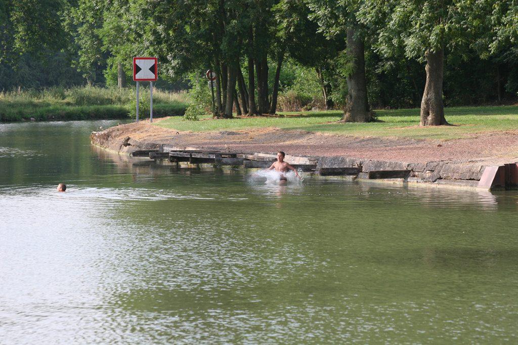 Badefreuden im Canal de Saint Quentin