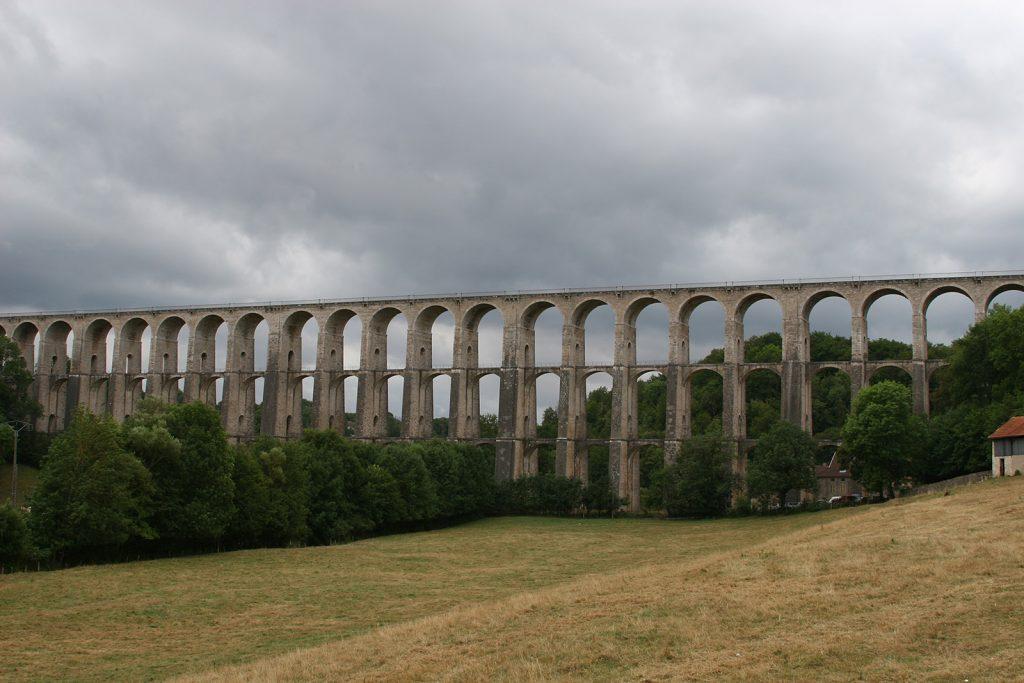 Ein Teil des Eisenbahnviaduktes von Chaumont