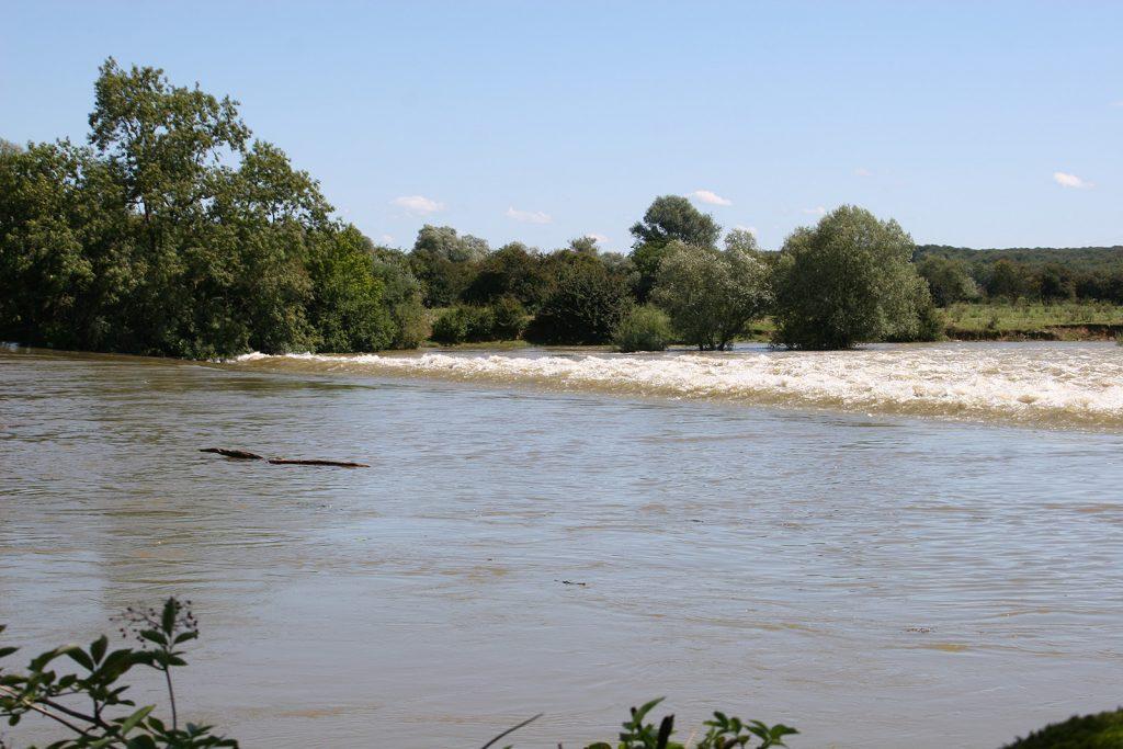 Hochwasser auf dem Doubs