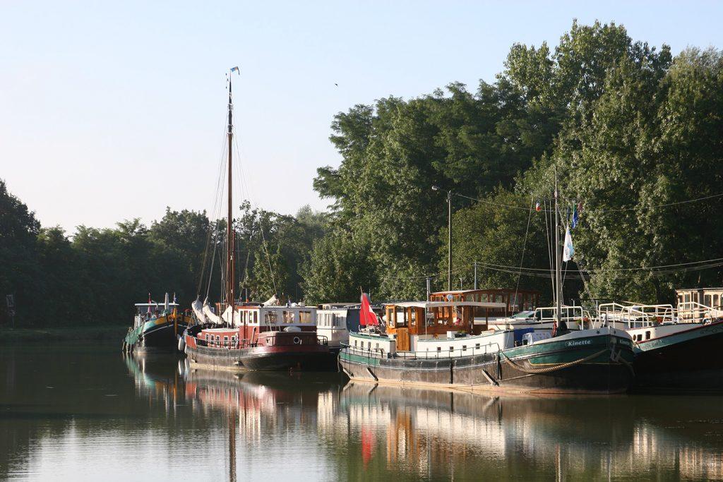 Im Hafen der Firma Bourgogne Marine in St-Symphorien