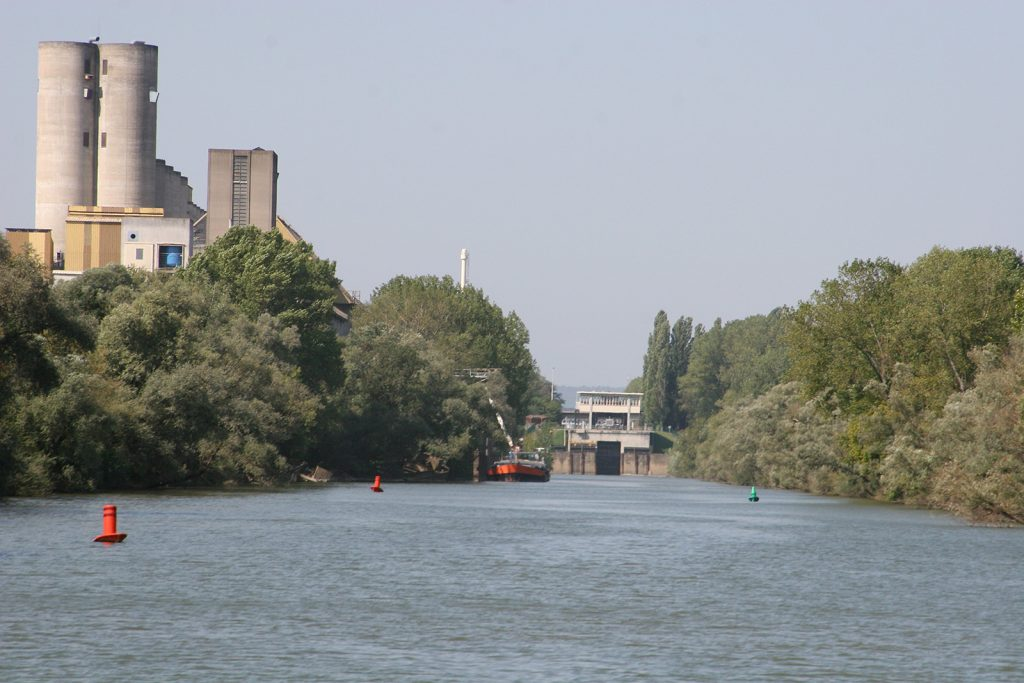 Die Schleuse zum Canal du Centre