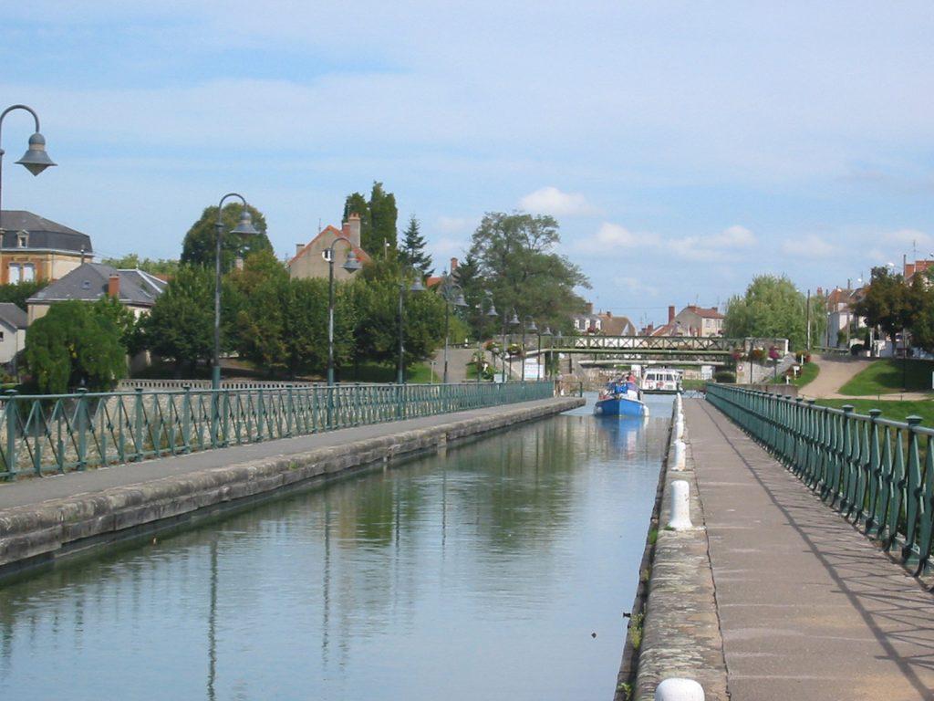 Kanalbrücke in Digoin über die Loire