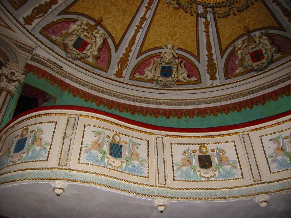 Die Logen im Theäterli von Schloss Digoine