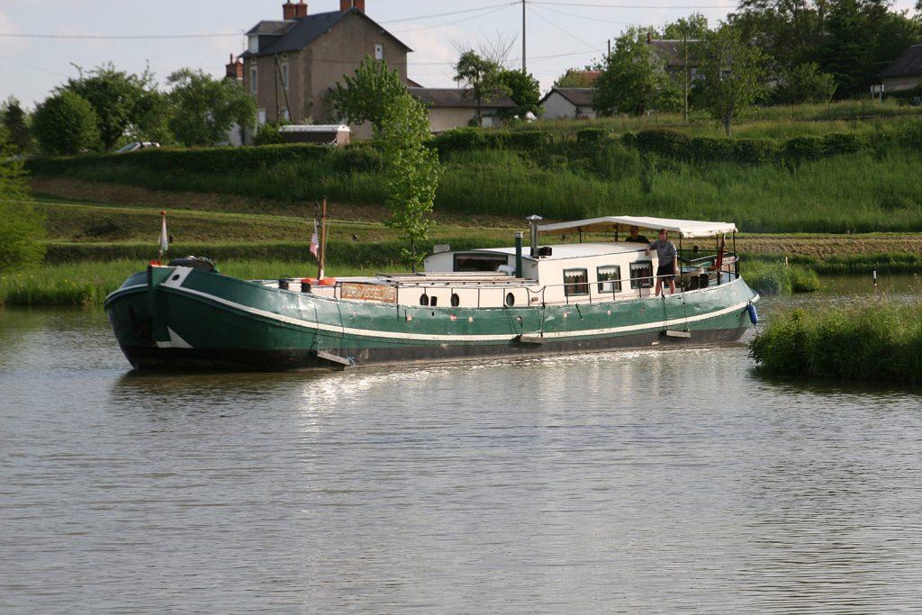 Die «Verwisseling» fährt in den Hafen von Panneçot ein