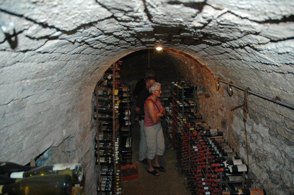 Im Weinkeller eines Privathauses