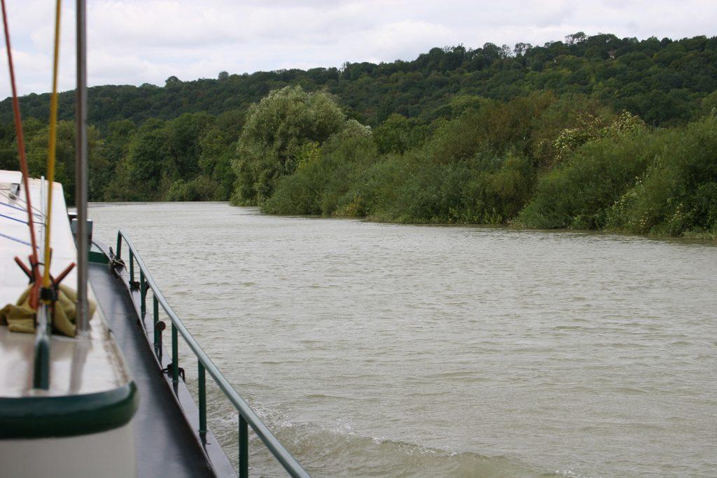 Die Marne führt viel Wasser