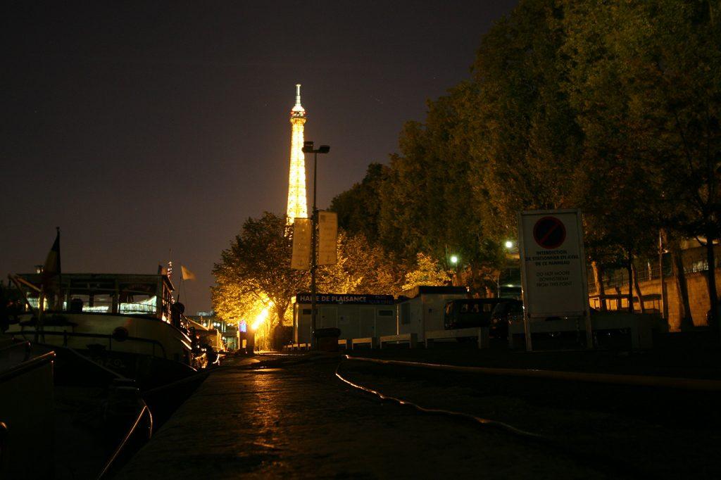 Unser Pariser Liegeplatz bei Nacht