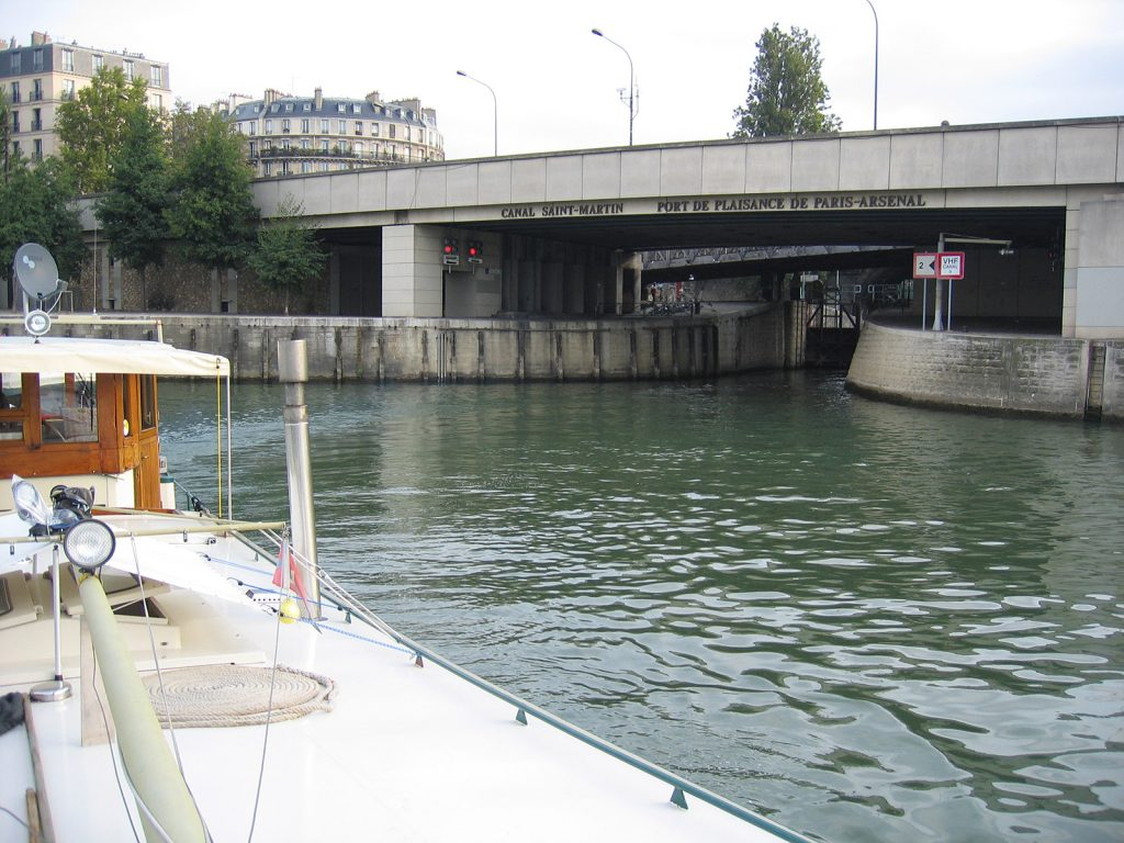 Die Einfahrt in den Port de Plaisance Paris-Arsenal