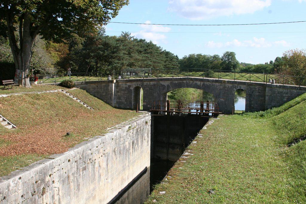 Alte Loireschleuse bei Châtillon-sur-Loire