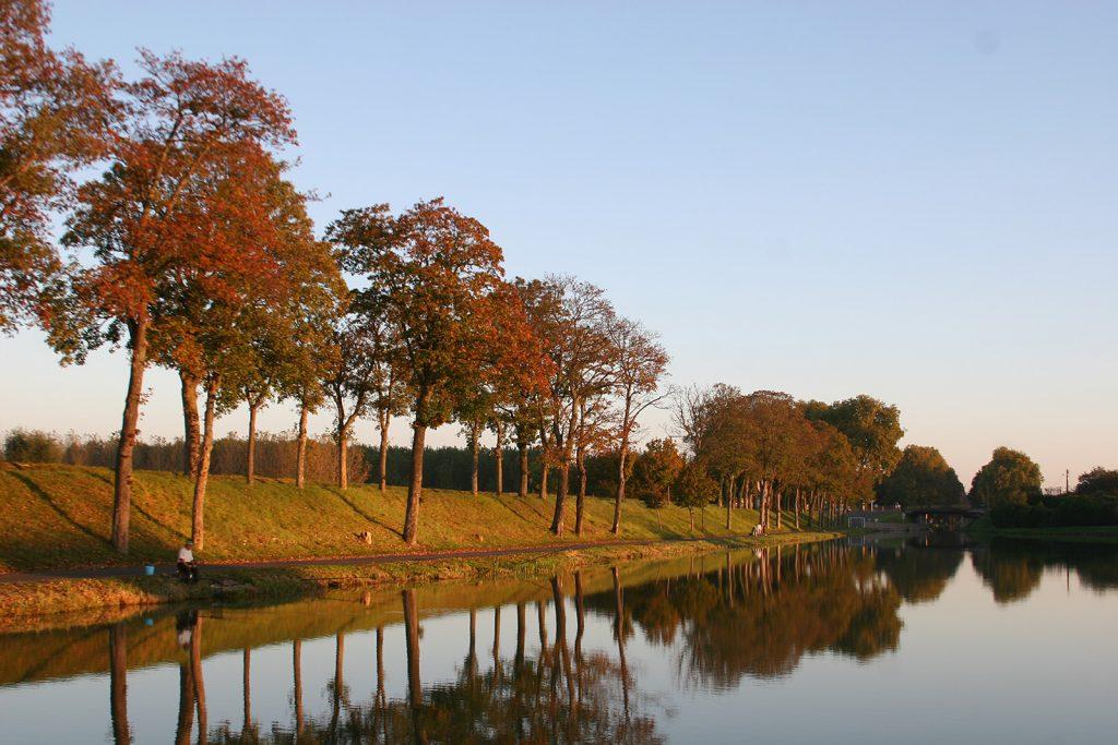 Spätherbstliche Abendstimmung am Stichkanal nach Nevers