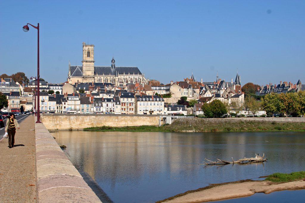 Nevers an der Loire
