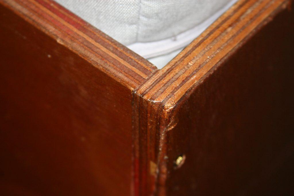 Sperrholzkisten-Look in der Gästekajüte