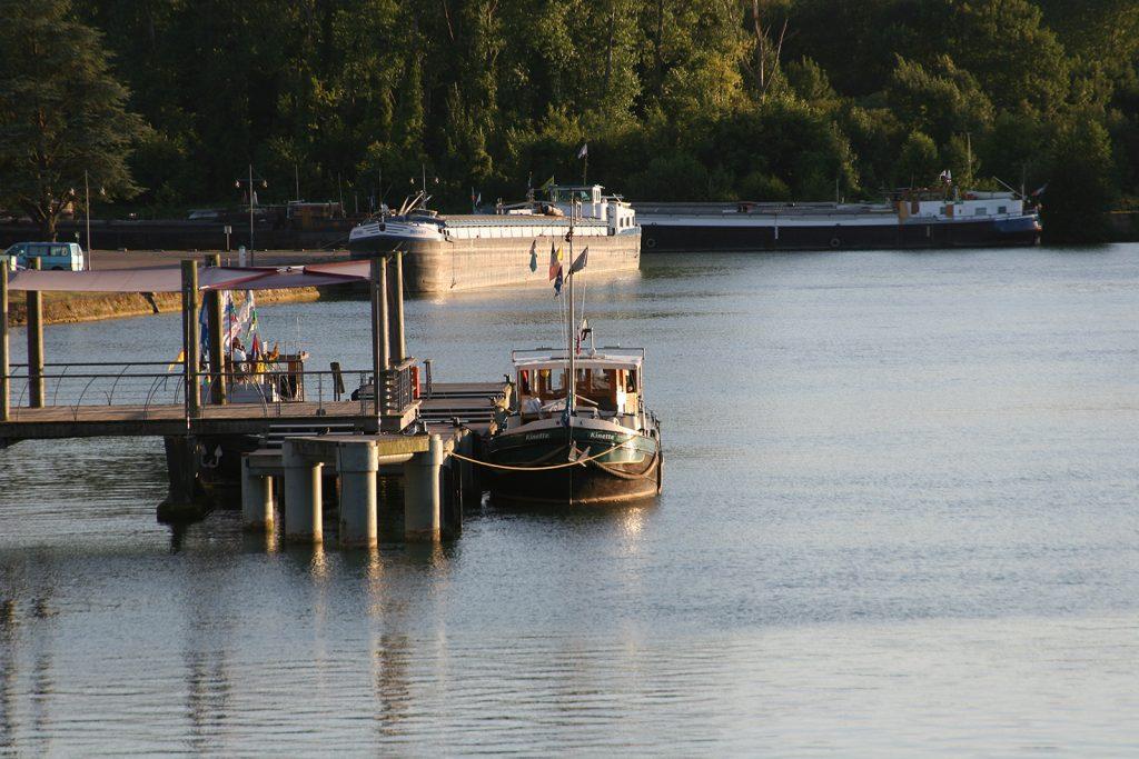 Die Halte Fluviale von Saint-Mammès