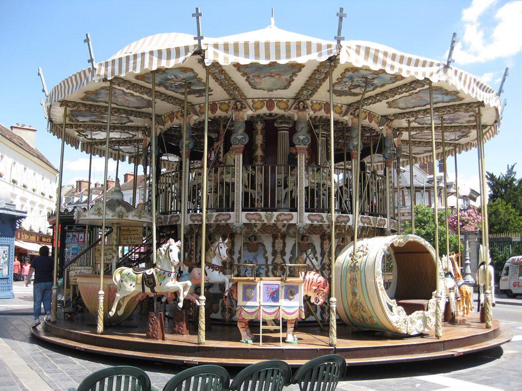 Ein Karussell aus der Belle Époque