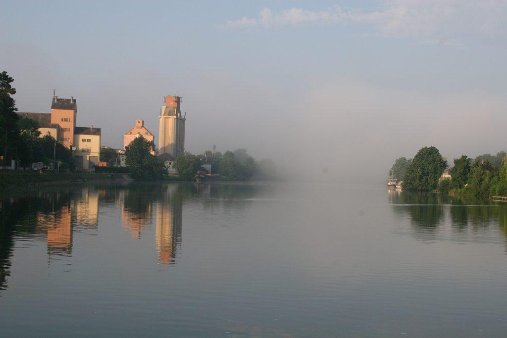 Nebelwand auf der Yonne