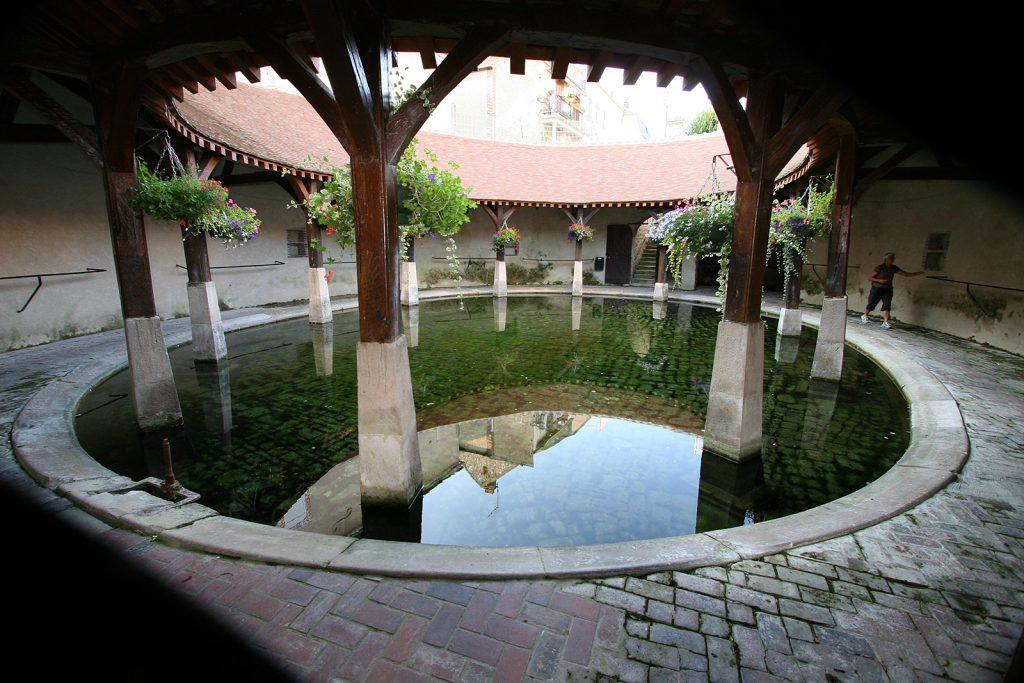 Das runde Waschhaus von Brienon
