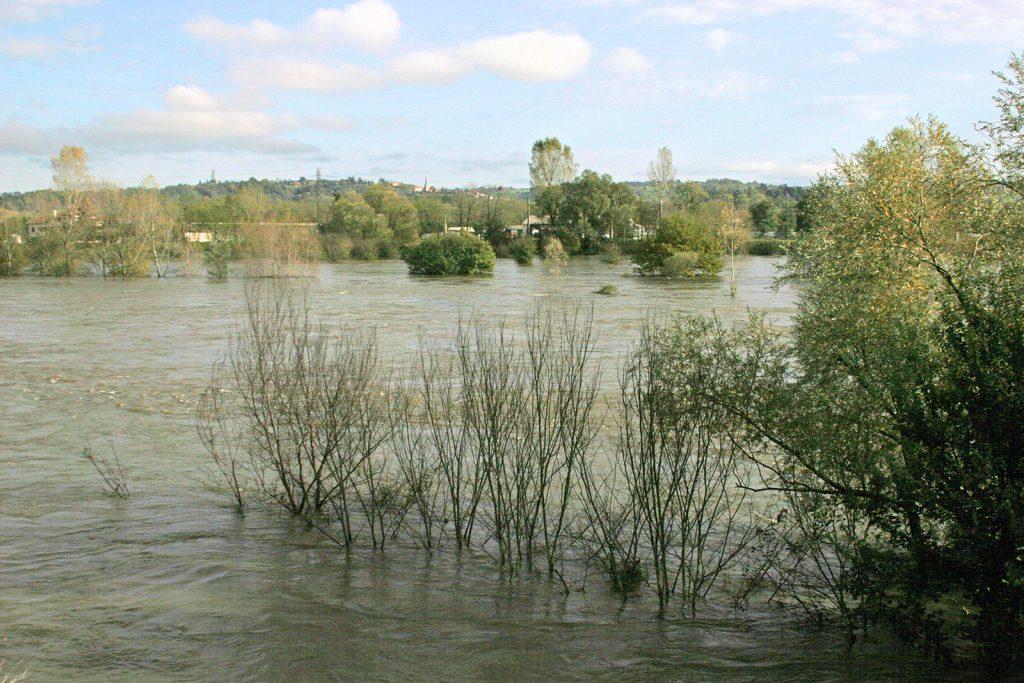 Die Loire führt Hochwasser